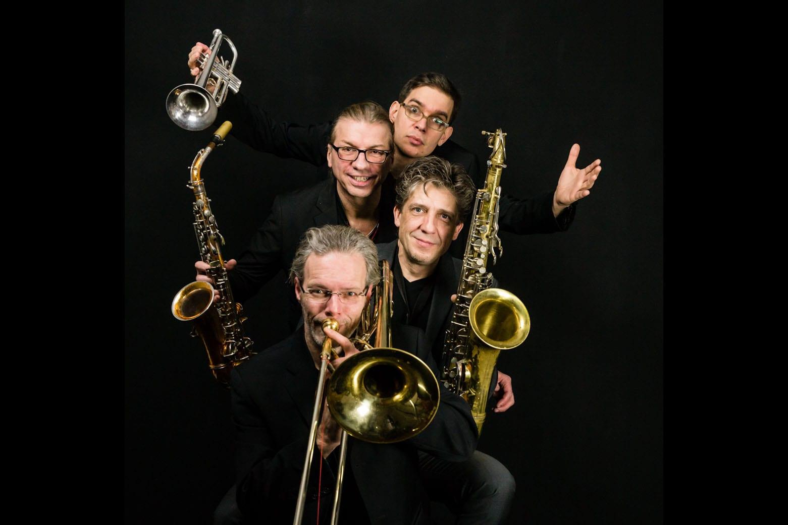 Fun Horns-0558-3x2